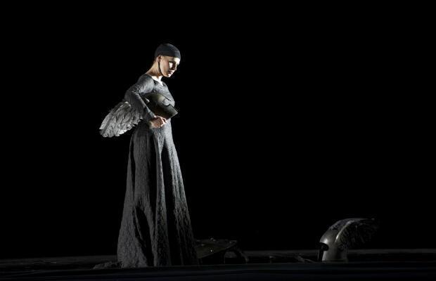 """Sophie Koch en Waltraute dans """"Le Crépuscule des Dieux""""."""