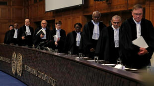 Los magistrados de la Corte Internacional de Justicia, antes del fallo sobre la disputa por la salida al mar de Bolivia contra Chile, el 1 de octubre de 2018, en La Haya, Países Bajos.