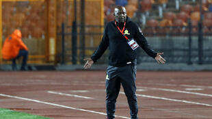 South African Pitso Mosimane has signed a two-year contract to coach African and Egyptian giants Al Ahly.
