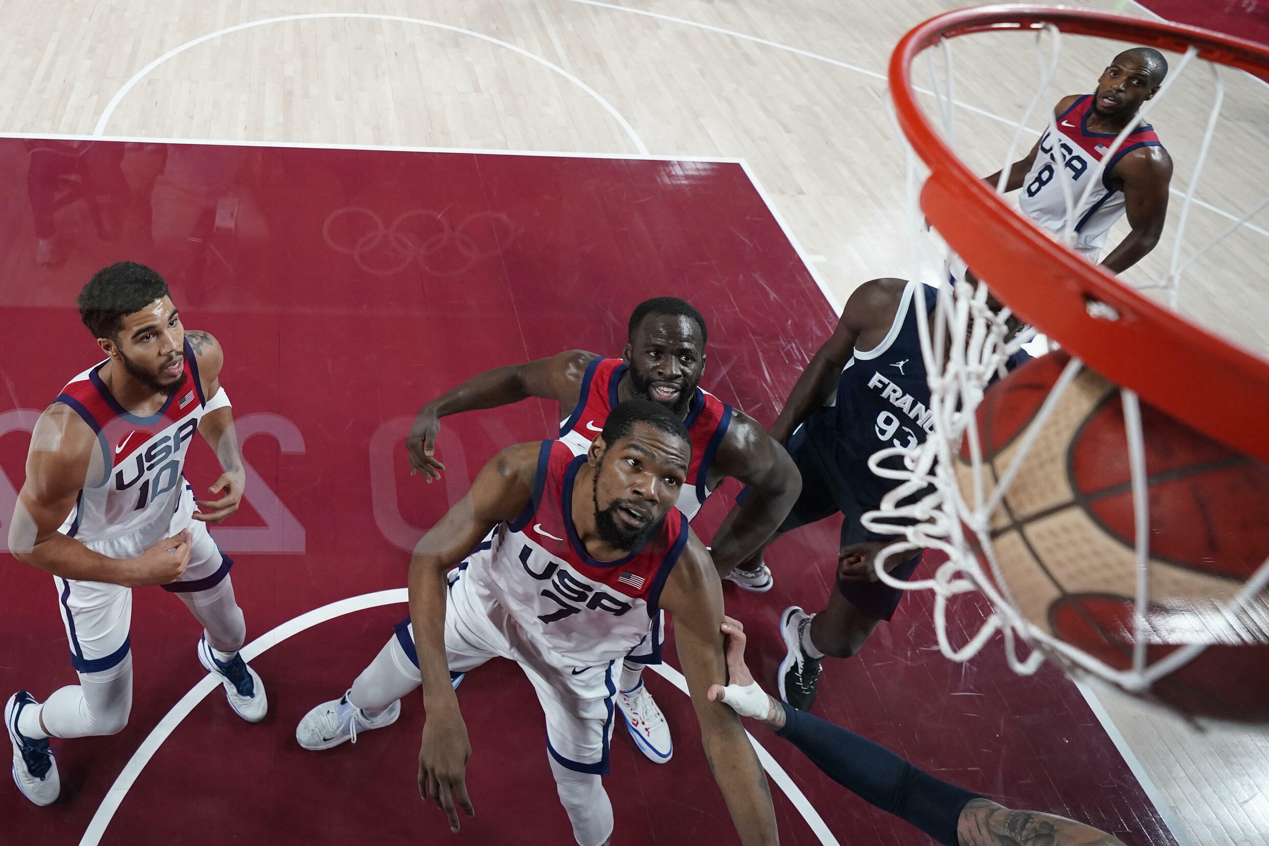 The United States play France in the men's basketball final
