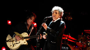 Bob Dylan sur scène, le 12 janvier 2012 au Hollywood Palladium, à Los Angeles.