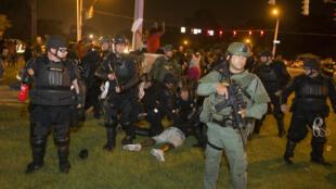 La police a procédé à de nombreuses arrestations, samedi 9 juillet, à Bâton-Rouge.
