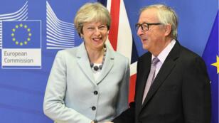 Theresa May et Jean-Claude Juncker, le 8 décémbre 2017 à Bruxelles.