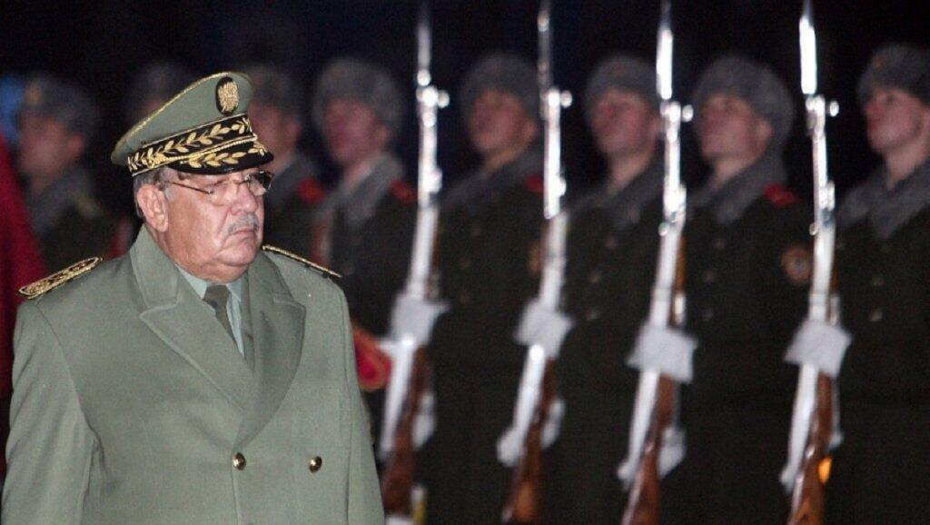 قائد الجيش الجزائري الفريق أحمد قايد صالح