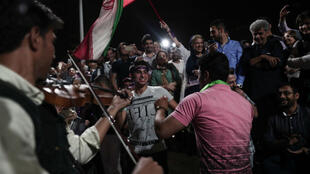 إيرانيون يحتفلون بفوز روحاني 20 مايو 2017