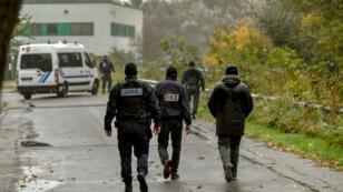 L'opération antiterroriste visait une association musulmane siégeant à Grande-Synthe, dans la banlieue de Dunkerque, le 2 octobre 2018.