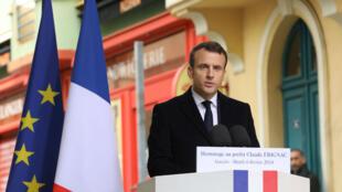 El presidente francés, Emmanuel Macron, durante el homenaje a la memoria del prefecto Claude Érignac el 6 de febrero de 2018.