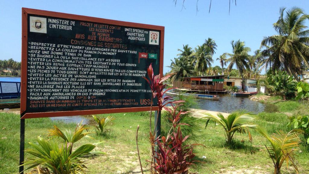 Assinie offre un décor paradisiaque très prisé des grosses fortunes de la Côte d'Ivoire.