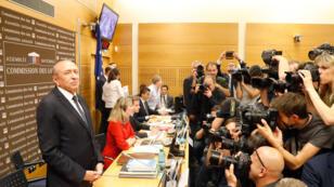 وزير الداخلية الفرنسي جيرار كولومب قبل مثوله أمام البرلمان. 23 تموز/يوليو 2018.