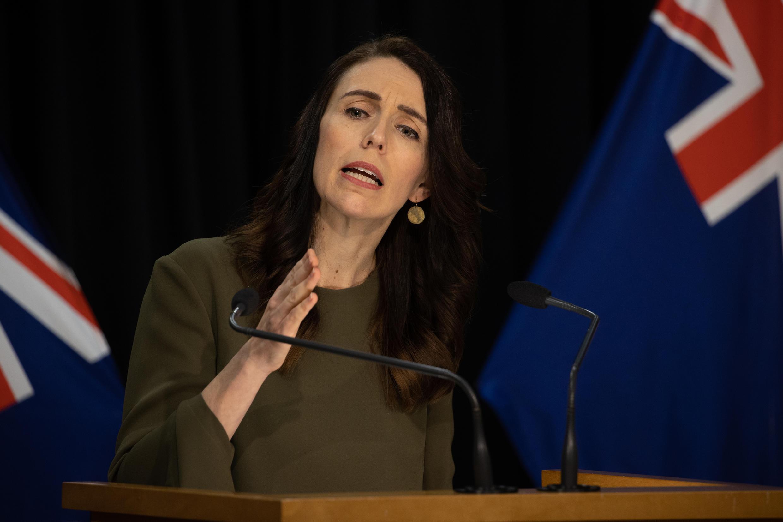 La primera ministra de Nueva Zelanda anunció la extensión de las elecciones para el 17 de octubre.
