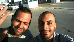 Dernière photo prise par Sofiene Chourabi (à droite) et Nadhir Ktari (à gauche) lors de leur passage en Libye le 3 septembre.
