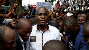 Martin Fayulu, candidat à l'élection présidentielle en République démocratique du Congo, arrive à un rassemblement politique à Kinshasa, le 11 janvier 2019.