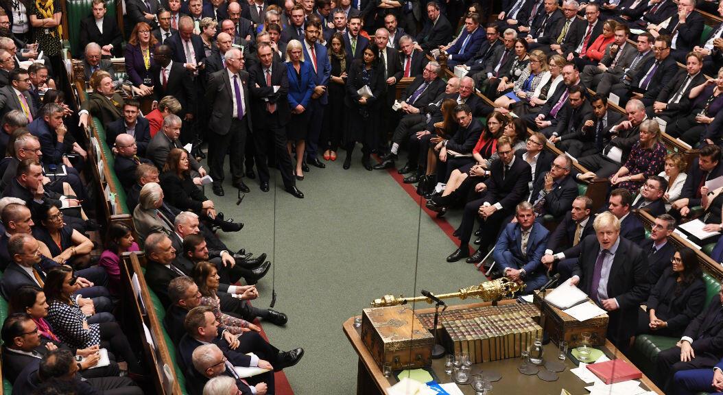 El primer ministro británico, Boris Johnson, habla en una sesión de la Cámara de los Comunes, en Londres, Reino Unido, el 22 de octubre de 2019.