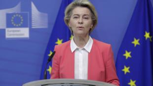 La présidente de la Commission européenne Ursula von der Leyen lors d'un point presse, à Bruxelles, le 13 décembre 2020.