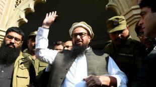 Hafiz Saeed quitte le tribunal de Lahore, le 21 novembre 2017.