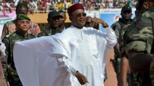 Le président-candidat nigérien Issoufou en campagne présidentielle, le 18 février 2016.