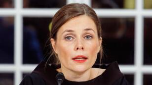 Katrín Jakobsdóttir durante la rueda de prensa de anuncio de la coalición entre el Movimiento Izquierda-Verde con el Partido de Independencia y el Partido Progresista, que se llevó a cabo el 30 de noviembre en Reikiavik, Islandia.