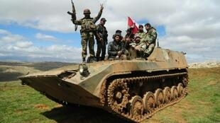 صورة نشرتها وكالة سانا لعناصر من الجيش السوري قرب الزبداني في 31 آذار/مارس 2015