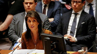 La embajadora de Estados Unidos ante las Naciones Unidas, Nikki Haley, interviniendo en la reunión del Consejo de Seguridad de las Naciones Unidas sobre Siria, en la sede de la ONU en Nueva York, EE. UU., el 9 de abril de 2018.