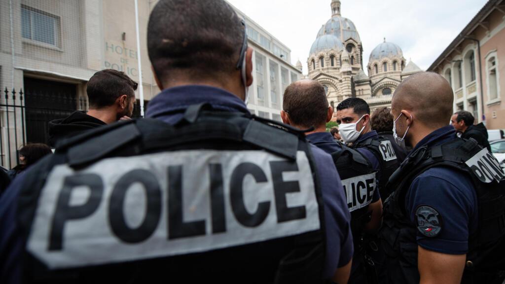 """Human Rights Watch dénonce le contrôle au faciès en France, un acte """"abusif"""" et """"traumatisant"""""""
