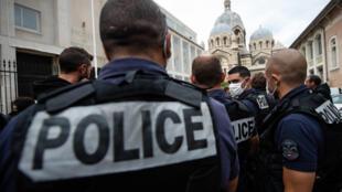 Des policiers lors d'une intervention, à Marseille, le 12 juin 2020.