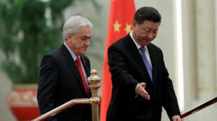 Sebastían Piñera (izquierda) cerró importantes acuerdos surante su gira por Asia, y en donde China ejerció como protagonista.