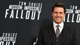 Tom Cruise posa para los fotógrafos durante la alfonbra roja del estreno de la sexta entrega de Misión Imposible, Fallout el 22 de julio de 2018.