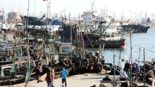 Les deux porte-conteneurs devaient débarquer leur soja américain au port de Dalian.