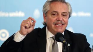 El presidente de Argentina, Alberto Fernández, el 23 de mayo de 2020 en la residencia de Olivos, al norte de Buenos Aires