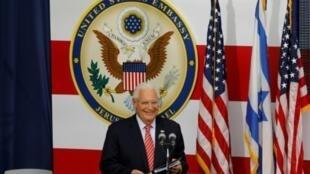 صورة من الارشيف التقطت بتاريخ 14 أيار/مايو 2018 تظهر السفير الأميركي لى إسرائيل ديفيد فريدمان أثناء القائه خطابا خلال افتتاح السفارة في القدس