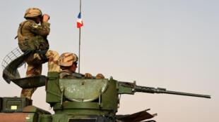 جنديان فرنسيان في مالي