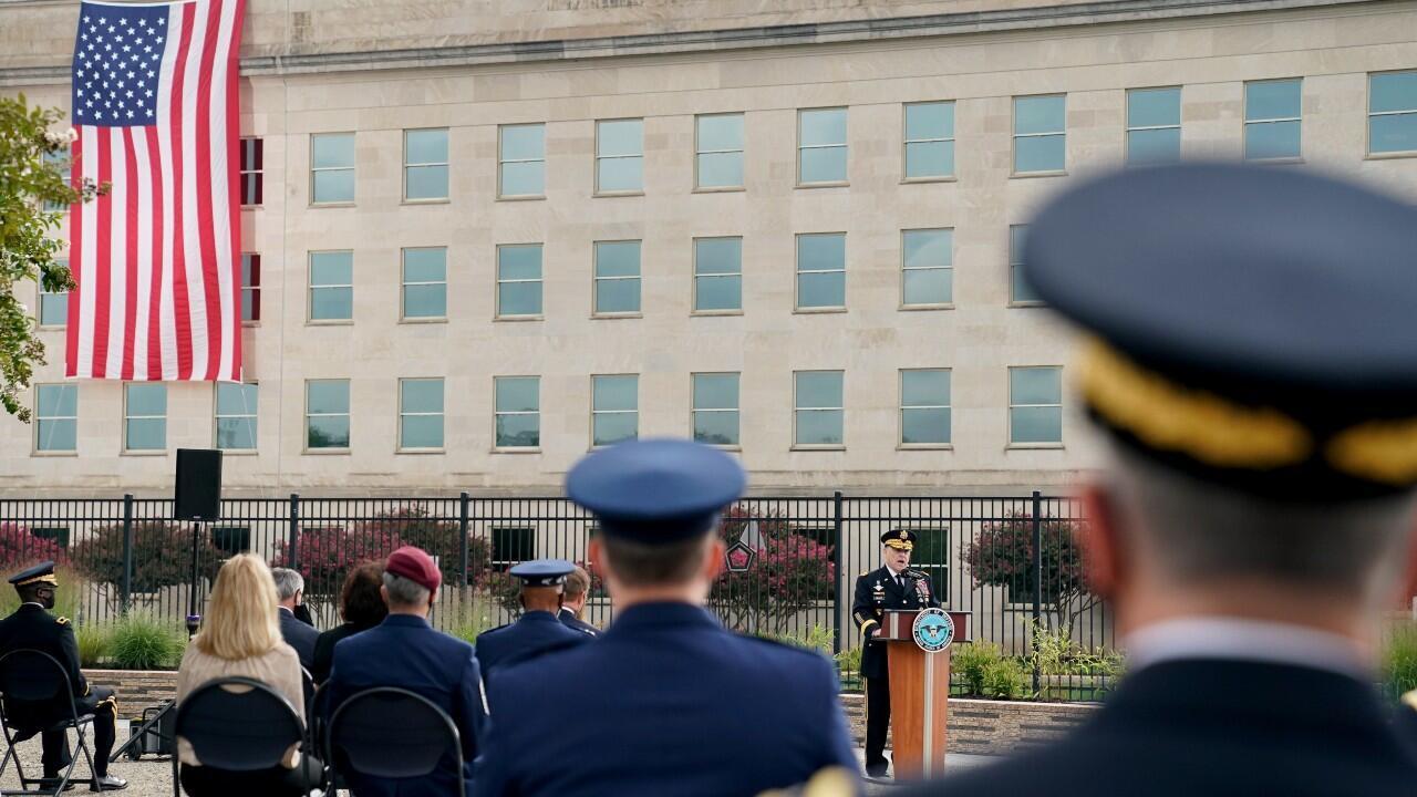 Archivo-El presidente del Estado Mayor Conjunto de Estados Unidos, el general Mark Milley, pronuncia un discurso durante la 19a ceremonia anual del 11 de septiembre en el Pentágono, en Arlington, Virginia, Estados Unidos, el 11 de septiembre de 2020.