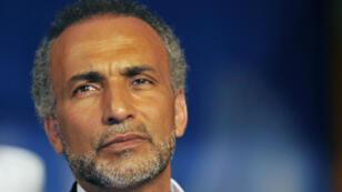 """Le traitement médical de Tariq Ramadan """"n'est pas incompatible avec la détention"""", selon une expertise judiciaire rendue mercredi 18 avril."""