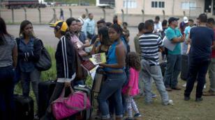 Des milliers de réfugiés vénézuéliens fuient leur pays vers d'autres États d'Amérique latine, comme ici au Brésil.