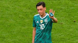 مسعود أوزيل عقب إقصاء منتخب ألمانيا من مونديال روسيا.