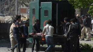 Des dizaines de personnes ont péri dans l'attentat au camion piégé qui a frappé Kaboul, le 31 mai.