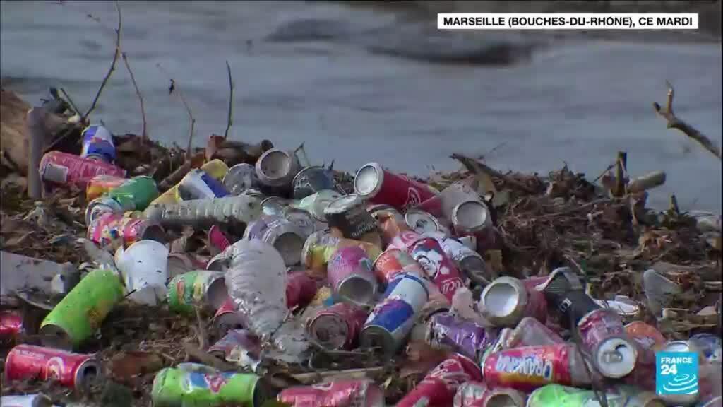 2021-10-06 09:42 A Marseille, tollé après le déversement de tonnes de déchets dans la mer