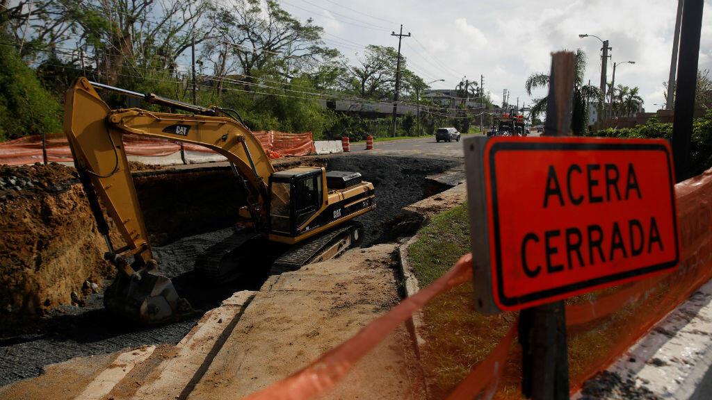 Las labores de reparación de las principales vías de Puerto Rico afectadas por el paso de los huracanes Irma y María avanzan desde el de octubre.