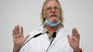 El médico francés Didier Raoult, en rueda de prensa el 27 de agosto de 2020 en Marsella, en el sureste de Francia