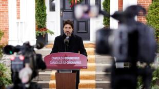 Trudeau coronavirus christmas toronto lockdown
