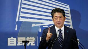 Shinzo Abe, primer ministro de Japón reelecto y líder del Partido Liberal Democrático (LDP), buscará realizar una reforma constitucional para cambiar el estatus militar de ese país.