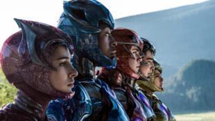 """Les """"Power Rangers"""" rose, bleu, rouge, noir et jaune du film de Dean Israelite, au cinéma le 5 avril 2017."""