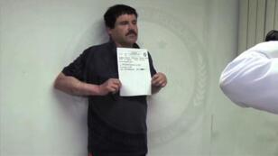 """Capture d'écran réalisée par les autorités mexicaines montrant Joaquin Guzman, dit """"El Chapo"""" en janvier 2016 à la prison d'Almoloya de Juarez."""