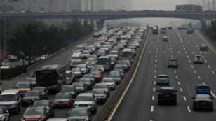 Une autoroute à Pékin en 2016.