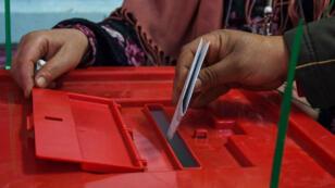 La nouvelle loi électorale tunisienne autorise désormais le vote des forces de sécurité et de l'armée uniquement aux municipales.