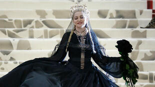 Madonna asiste al Heavenly Bodies: Fashion & The Catholic Imagination Costume Institute Gala en el Museo Metropolitano de Arte, el 7 de mayo de 2018 en la ciudad de Nueva York.