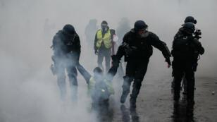 """Au total, 412 personnes ont été interpéllées durant les manifestations des """"Gilets jaunes"""", le 1er décembre."""