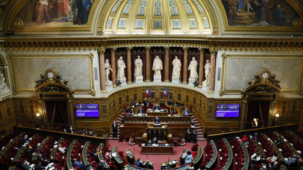 Passe sanitaire : le Sénat adopte le texte anti-Covid-19 avec des modifications