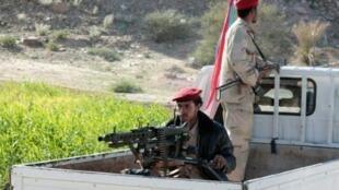 جنديان تابعان للقوات الموالية للرئيس عبد ربه منصور هادي