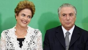 La président brésilienne Dilma Rousseff et son vice-président, Michel Temer, lors d'une cérémonie le 5 octobre 2015 à Brasilia.
